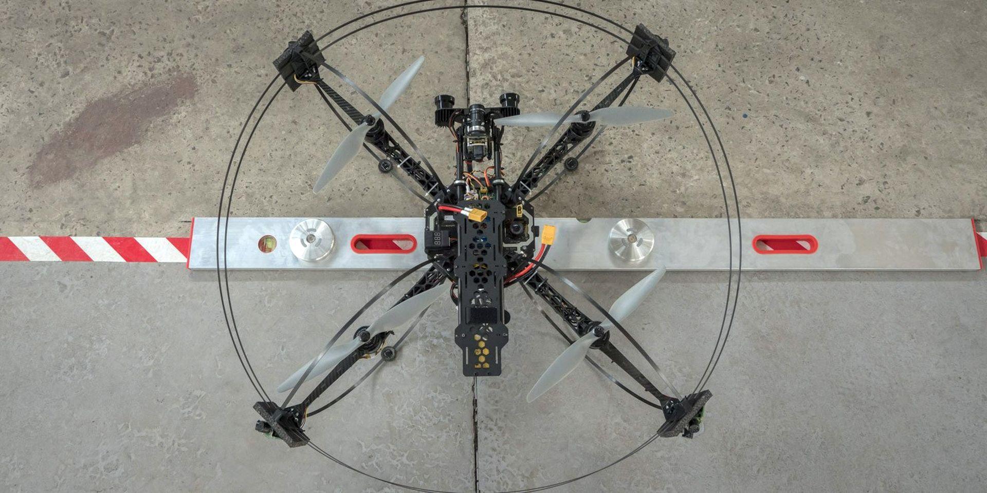 В Україні створили дрон, який готуватиме літаки до польотів