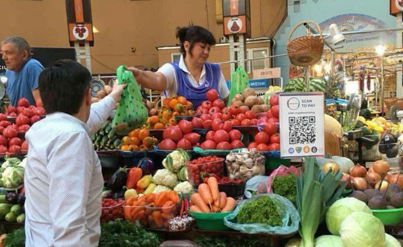 Овочі за Bitcoin: Бессарабський ринок запустив розрахунки криптовалютою