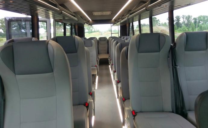 В Україні створили перший у світі автобус-позашляховик