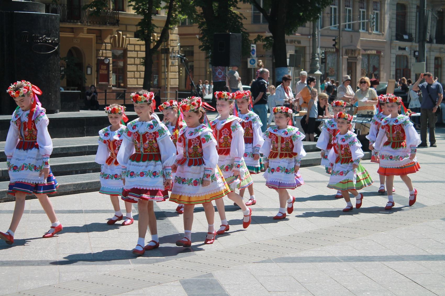 Usim ohočym proponujuť stvoryty onlajn-vitannja do Dnja Nezaležnosti Ukraїny