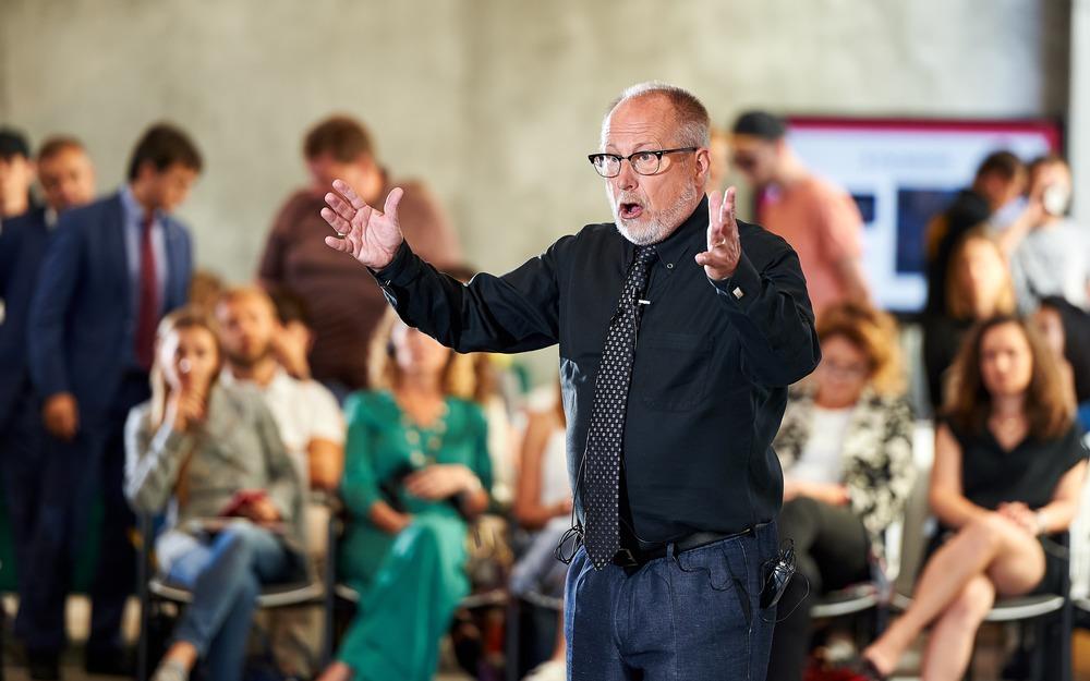 «У вас може бути правильна ідея, з якою ніхто не згоден» — тези київської лекції професора зі Стенфорда