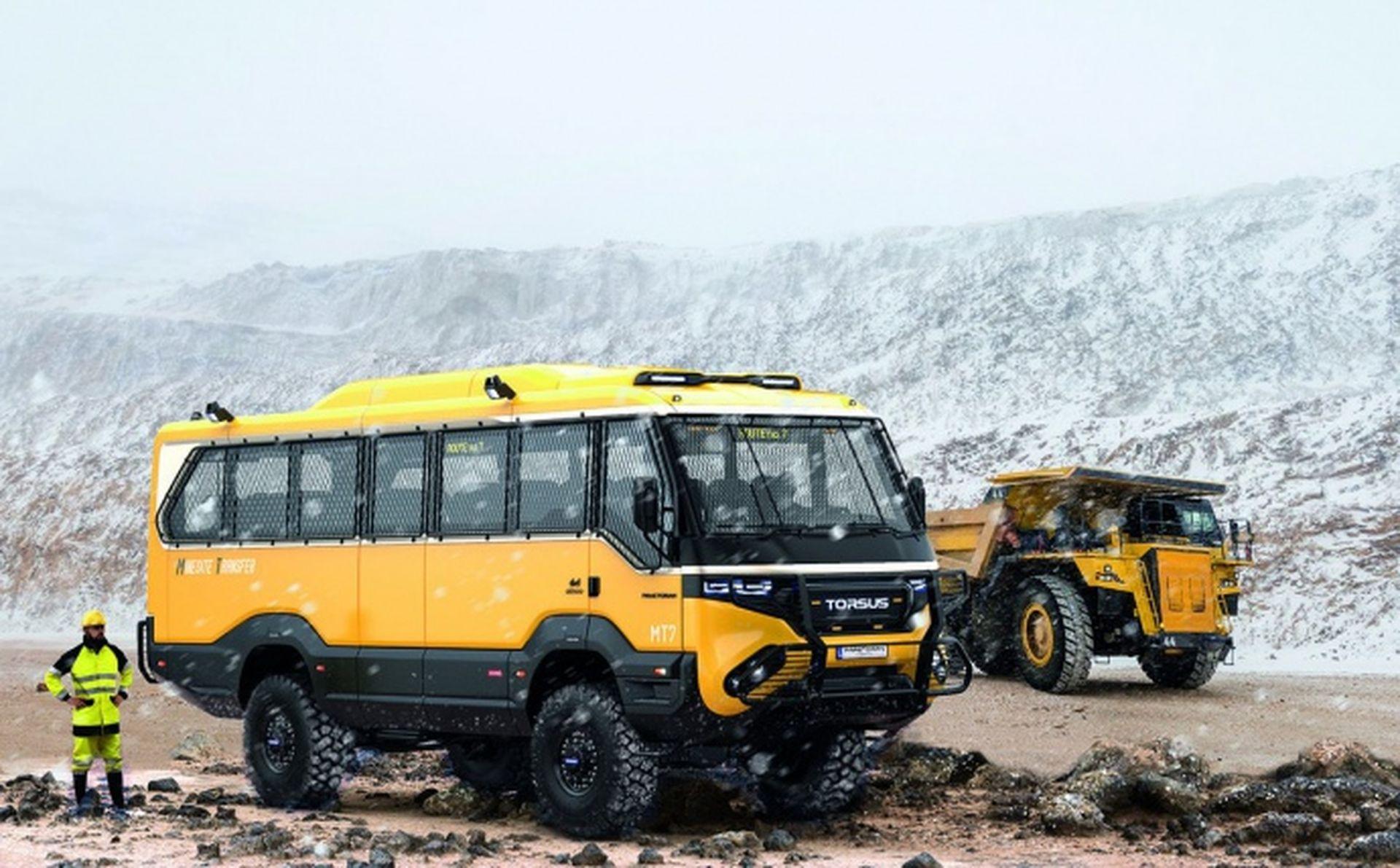 Українці створили перший у світі автобус-позашляховик