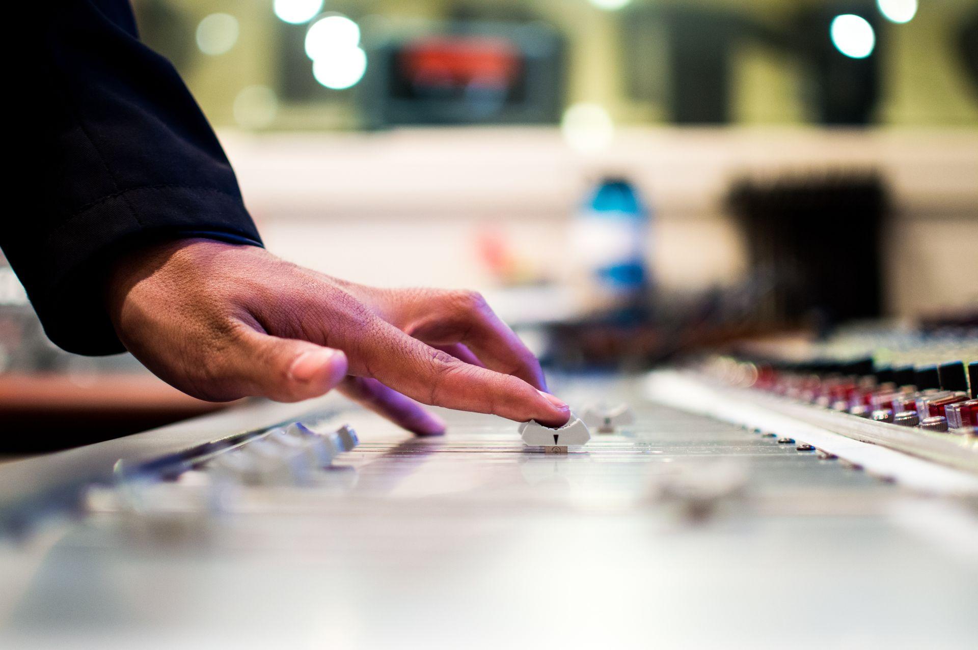 «Радіо Аристократи» запускає Школу радіоведучих