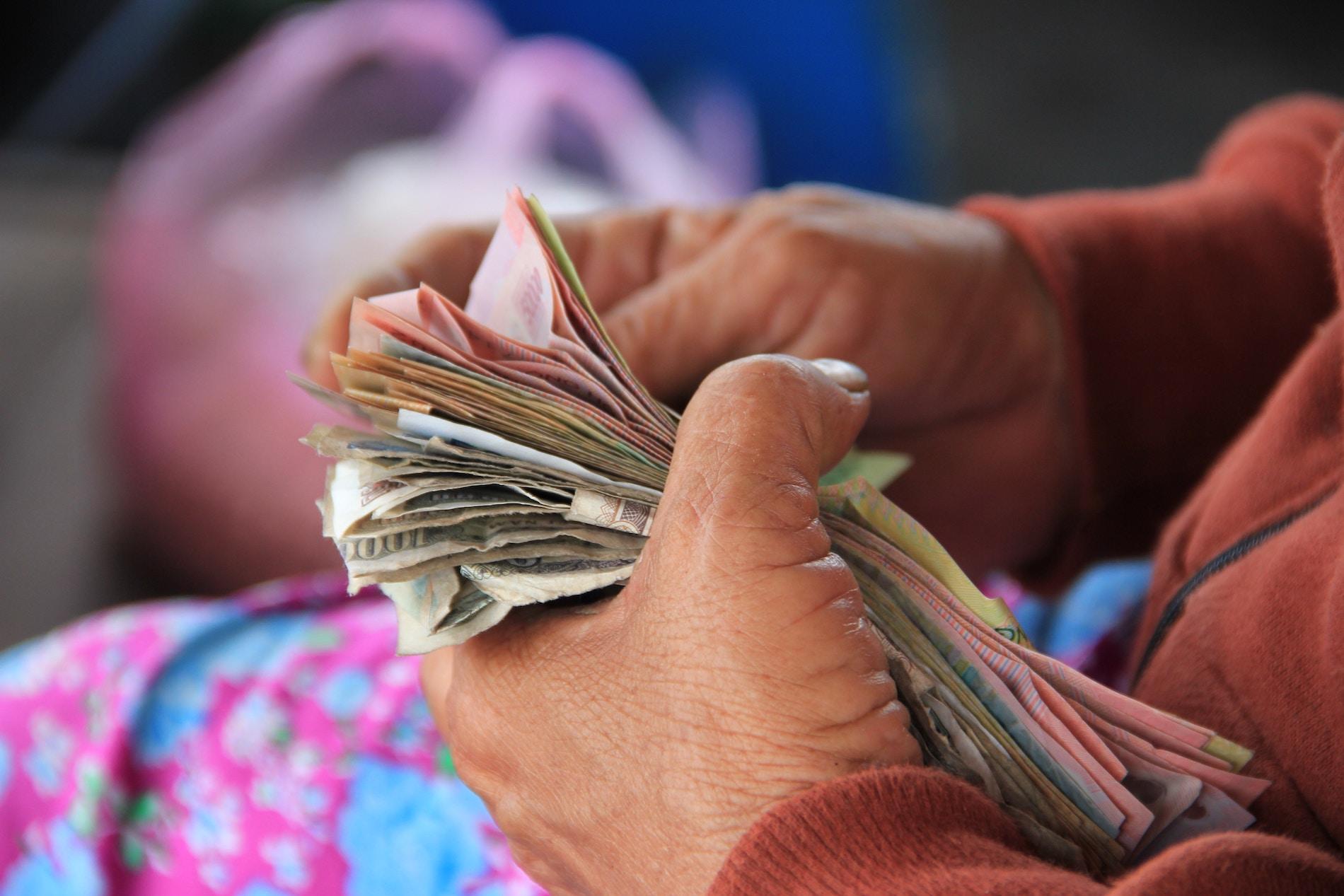 «ПриватБанк» запустив бота для платежів через віртуальні термінали