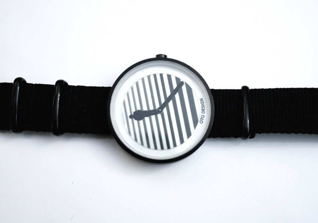 Розробник українських годинників OTO watches зібрав на Kickstarter потрібну суму за 10 днів