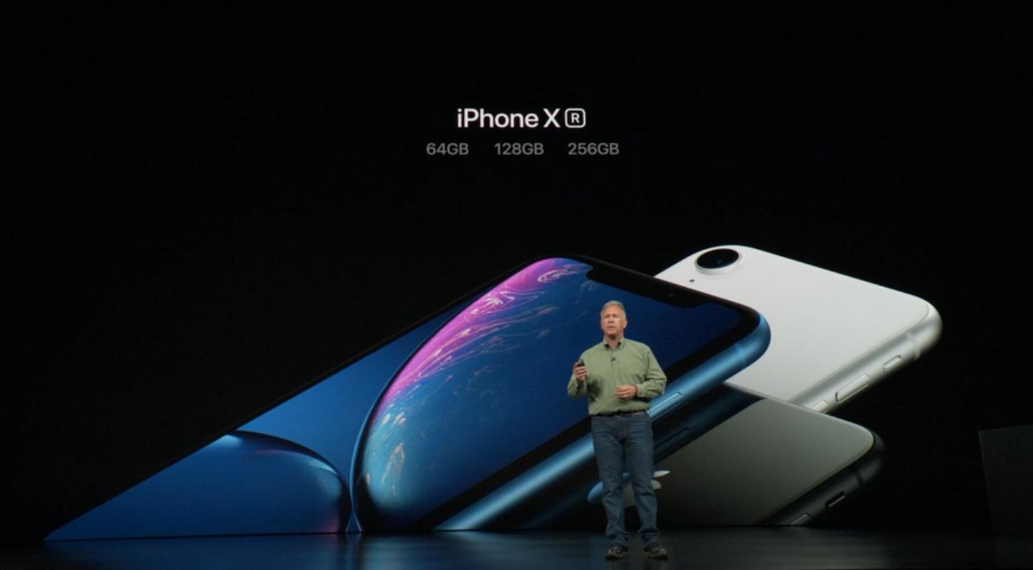 Apple представила три нових смартфони та смарт-годинник
