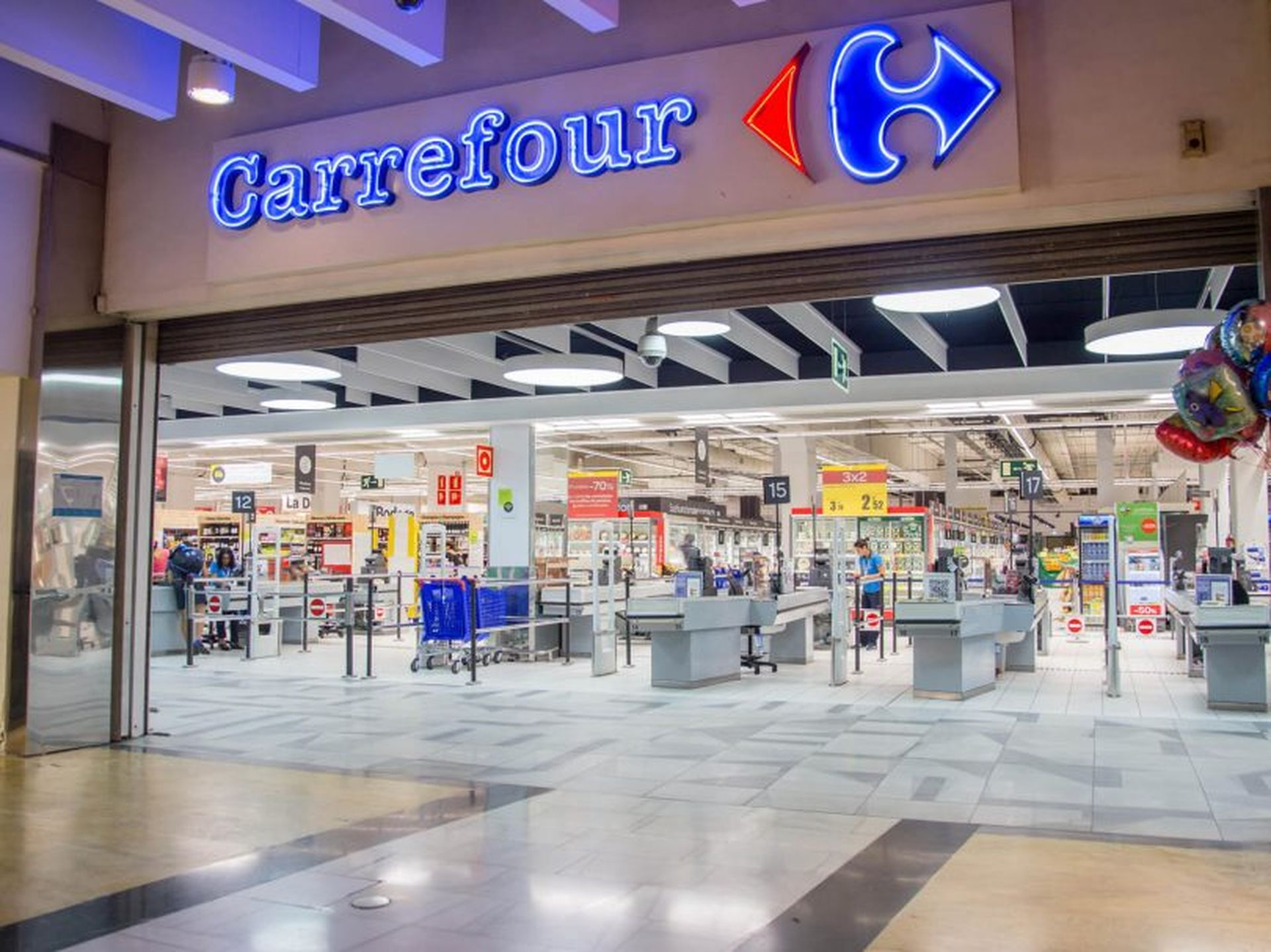 Francuźka mereža Carrefour testuje magazyny bez brendiv