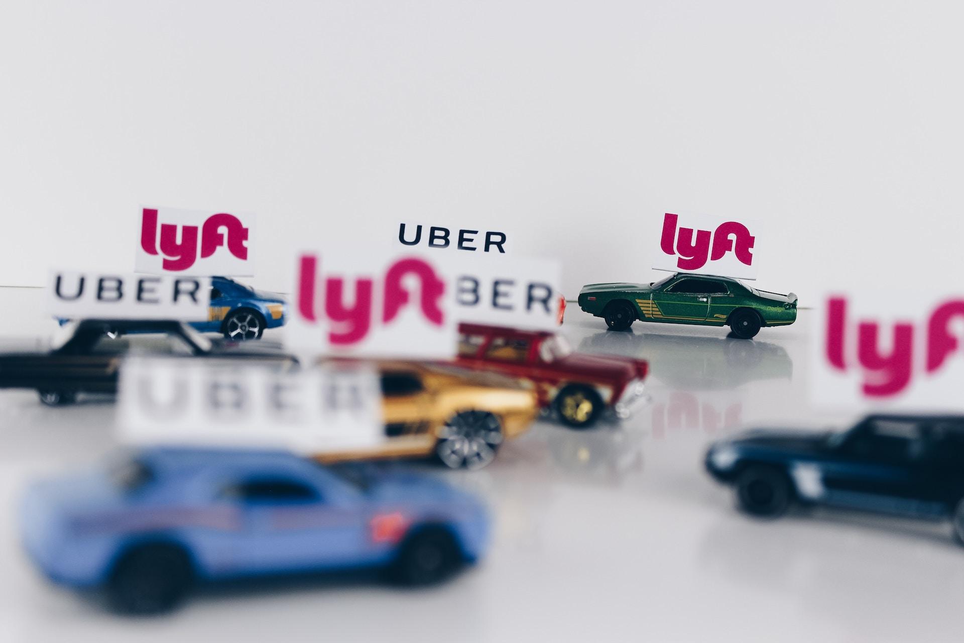 Найбільший партнер Uber в Україні буде заряджатися на електрозаправках STRUM