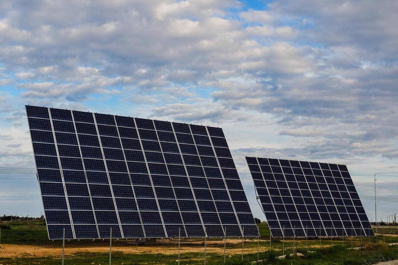 Дві нові сонячні станції запрацювали на Хмельниччині
