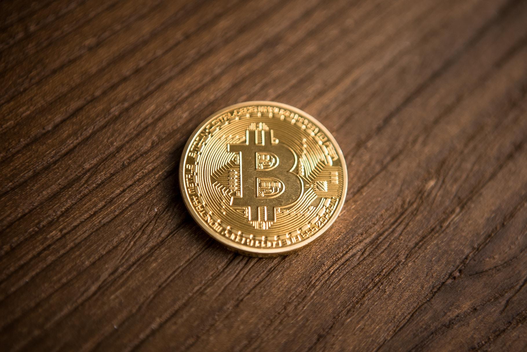 Post cryptum: «Червона зона» для курсу, фейкові гаманці та blockchain у мистецтві