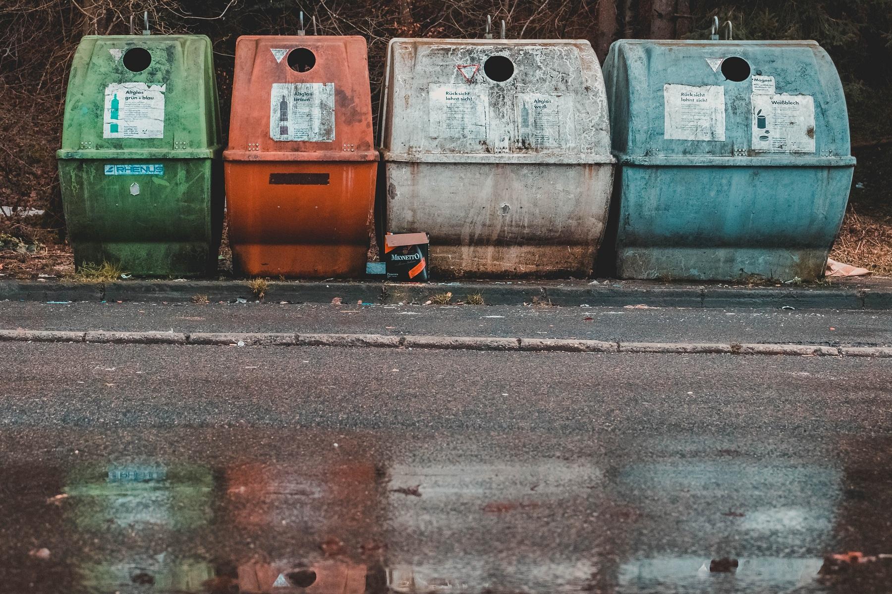 У Львові запрацювали підземні контейнери для відходів