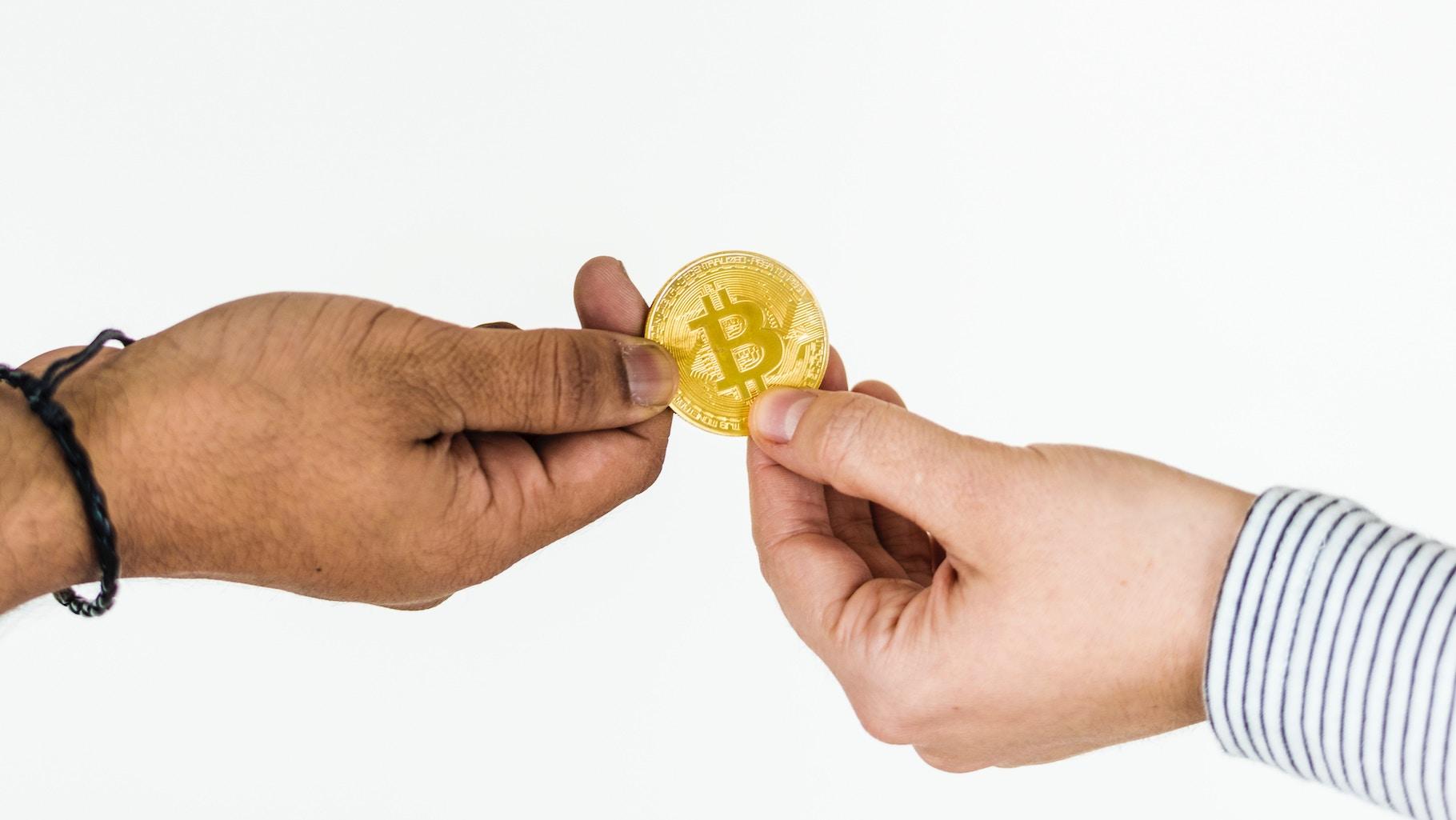 Post cryptum: Škola dlja blockchain-rozrobnykiv, migracija majneriv ta efir za prybyrannja
