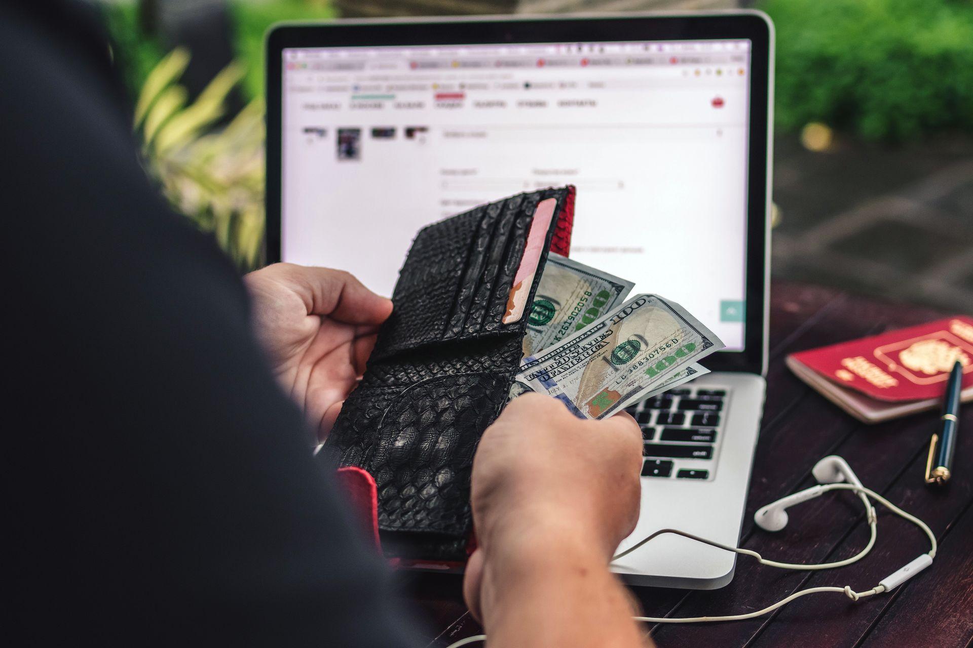 Держстат назвав середні розміри зарплати в Україні