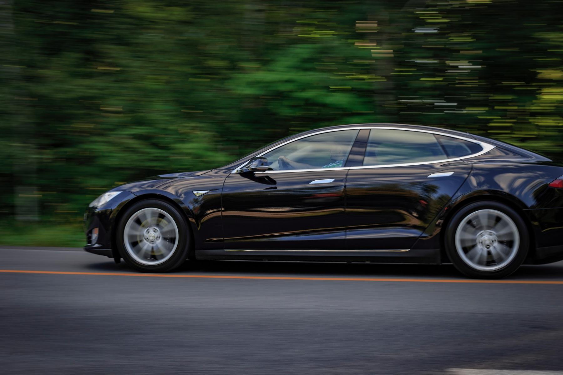 Kompaniї Tesla dozvolyly prodavaty Model 3 v Jevrosojuzi