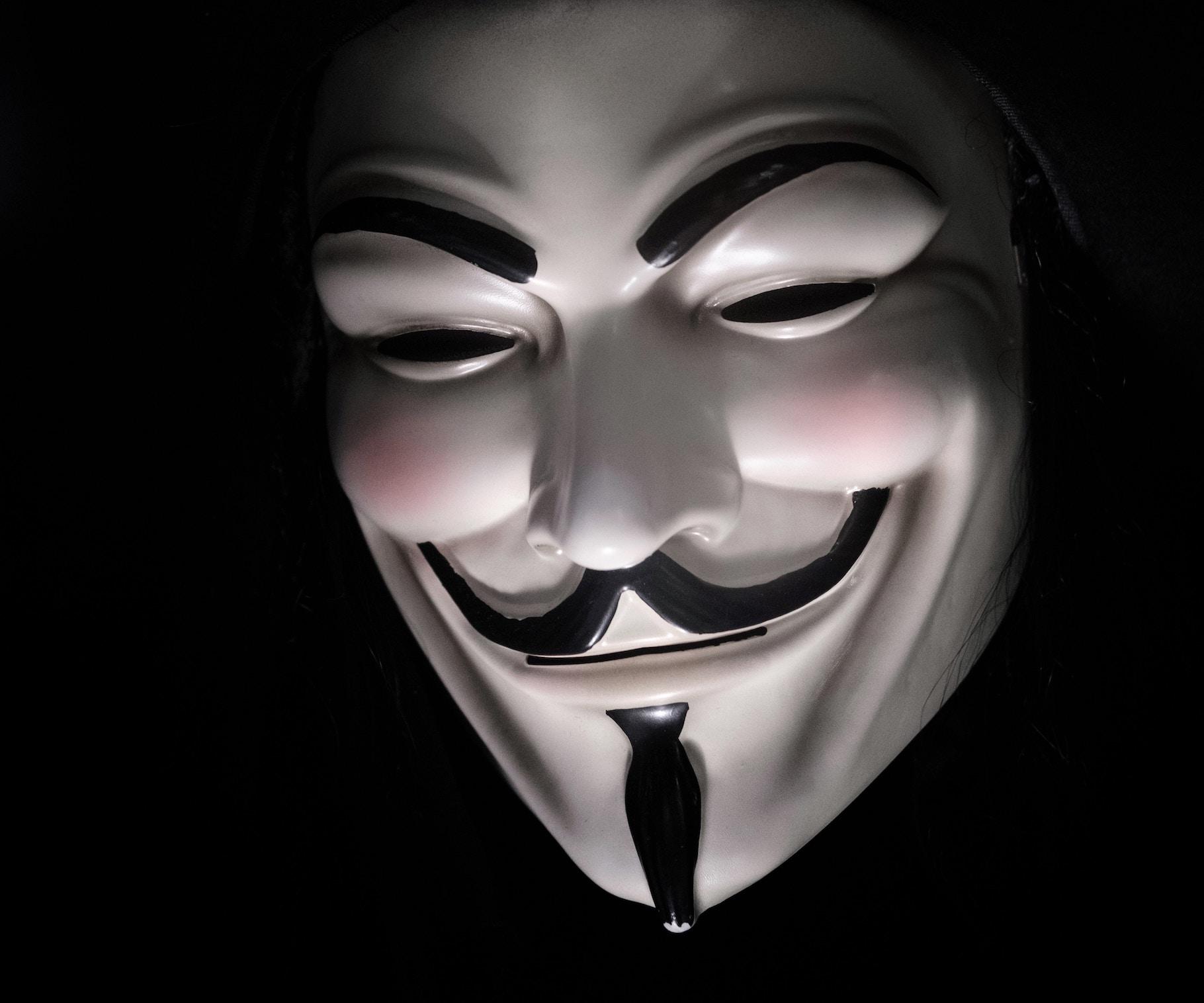 Українська кіберполіція викрила хакерів, що вкрали 5 млн грн