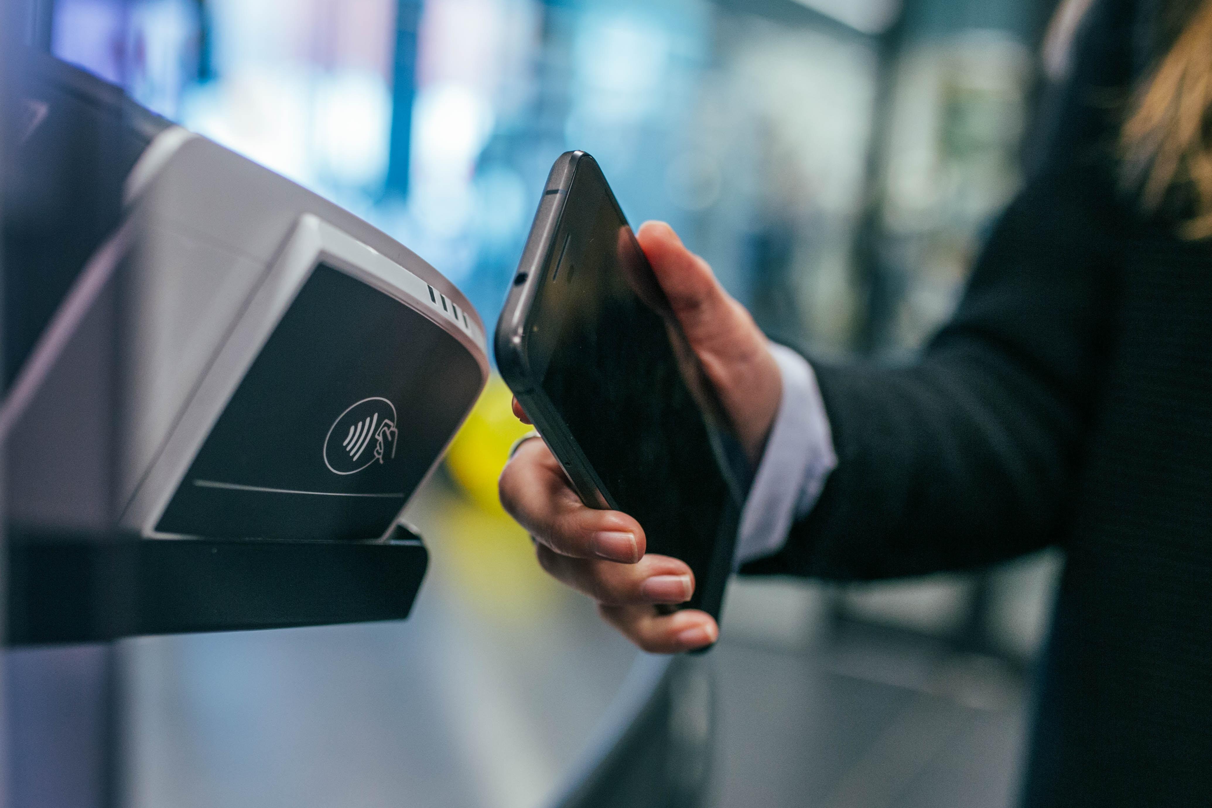 Peretvoriť svij smartfon na terminal – MasterCard anonsuje cikavynky i dilyťsja statystykoju