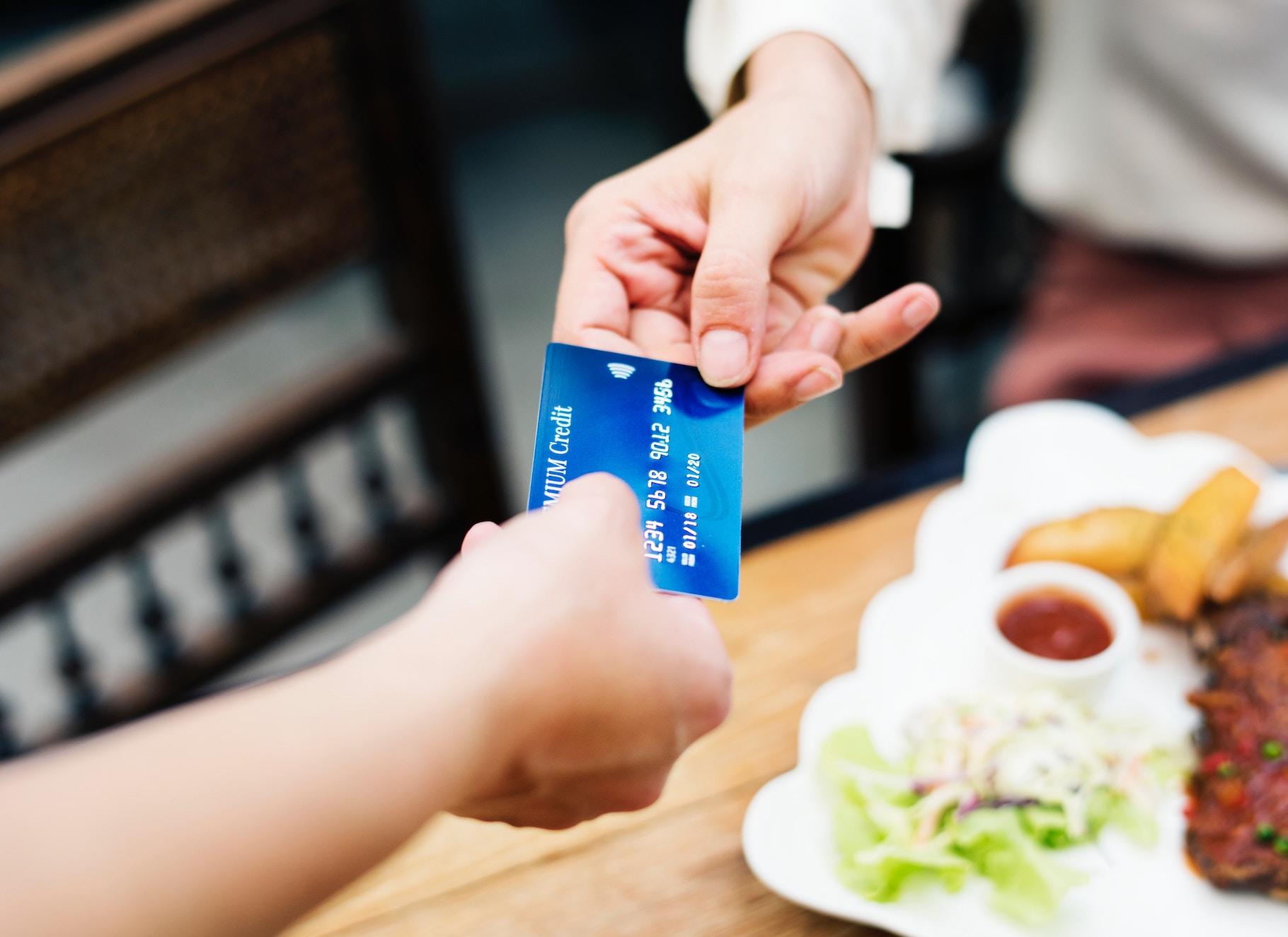 8 botiv u vašomu mesendžeri, kotri dopomožuť trymaty plateži pid kontrolem