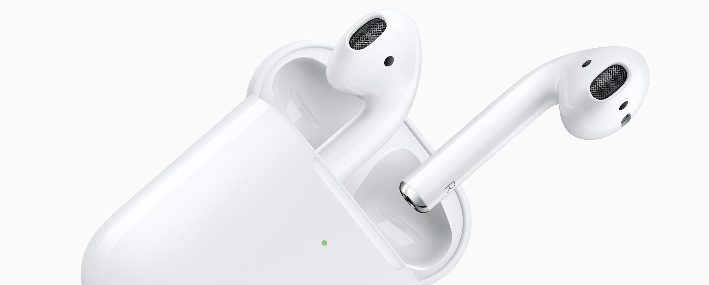 Нові AirPods від Apple — бездротова зарядка, голосова активація Siri