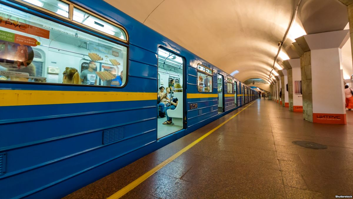 З 1 листопада київське метро відмовиться від жетонів: що треба знати