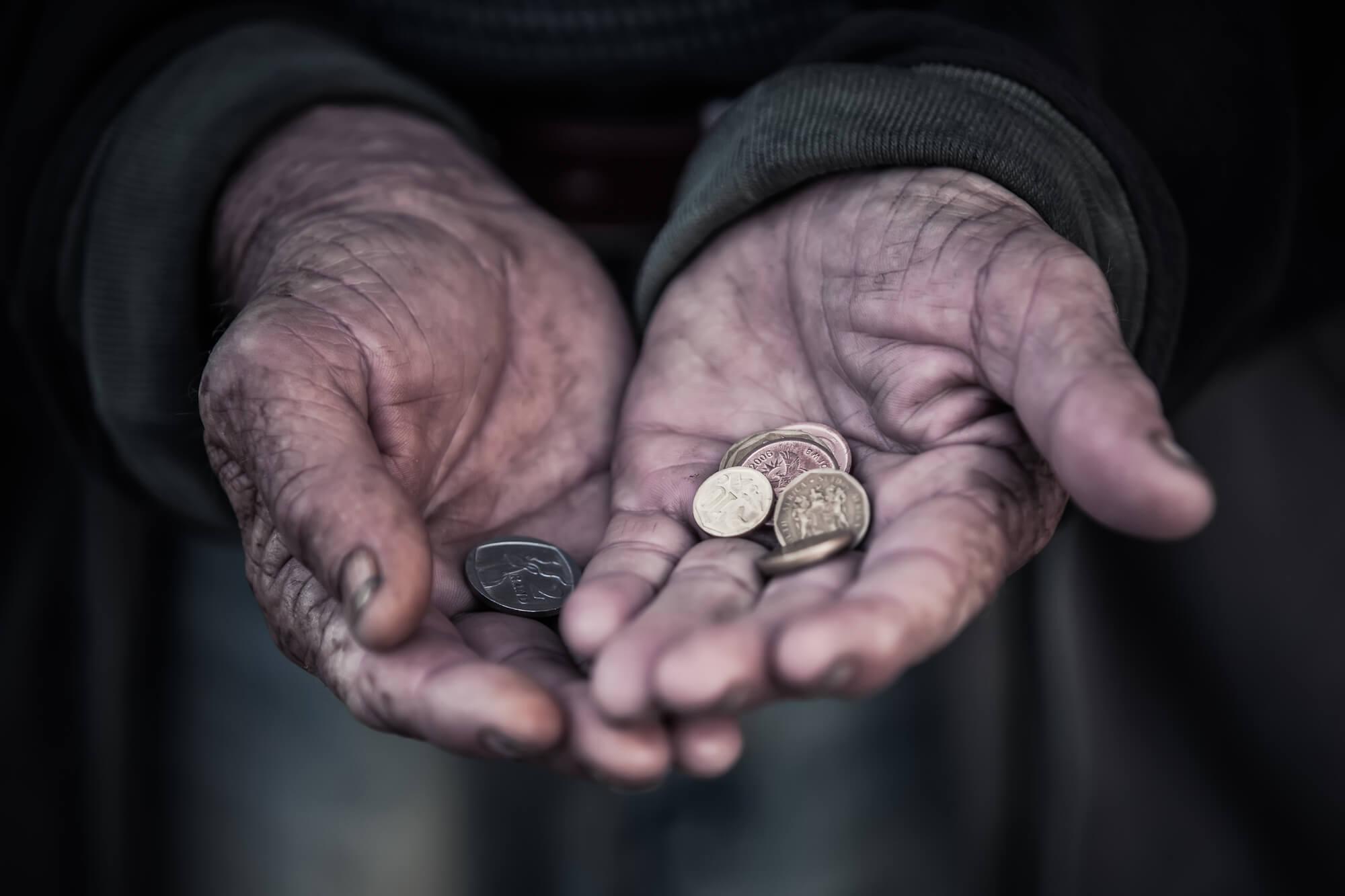 В Україні з 2014 року кількість бідних людей скоротилася майже у чотири рази