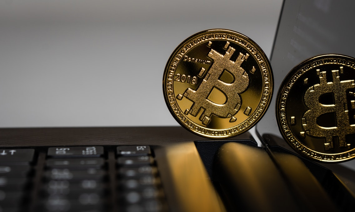 🔺 Kurs Bitcoin dosjag maksymumu za rik čerez Facebook