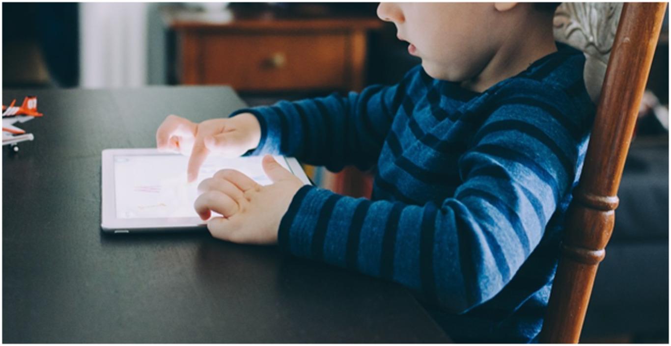 📱Коли купувати дитині планшет