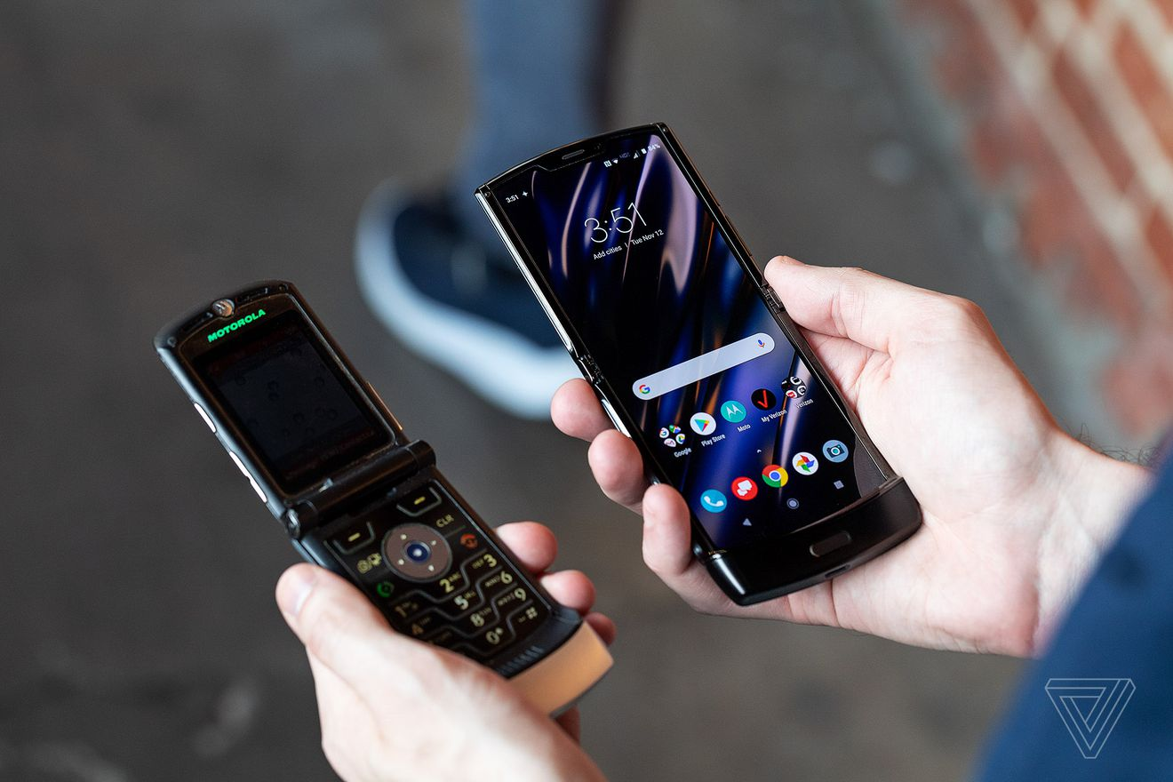 📱Motorola predstavyla kuľtovyj smartfon Razr z gnučkym ekranom
