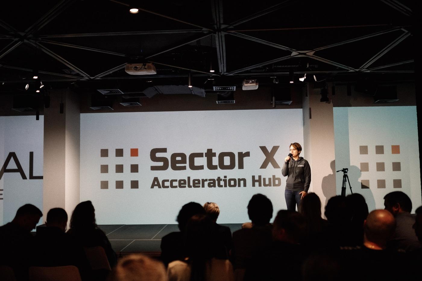 📱 14 українських стартапів пройшли в акселераційний хаб Sector X з експертизою корпорацій
