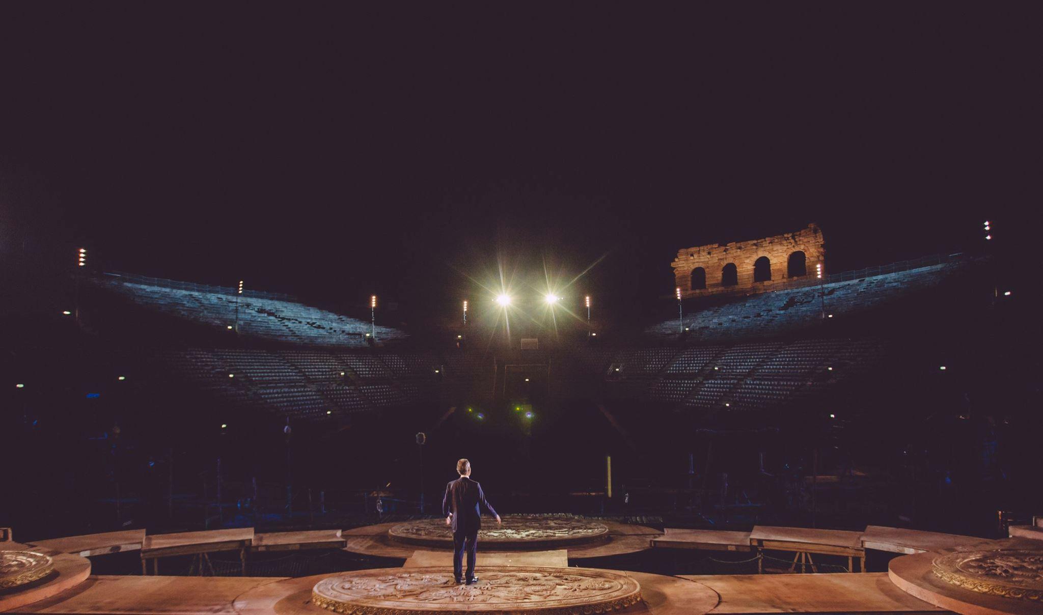 🎶 Андреа Бочеллі виступив у порожньому Міланському соборі на Великдень 12 квітня