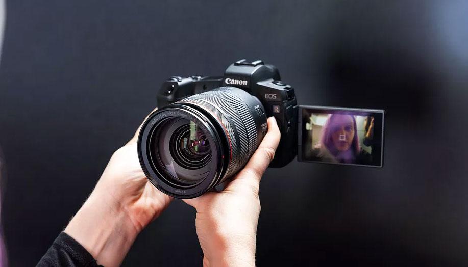 👨🏼💻 Canon надасть можливість використовувати свої камери для відеоконференцій — здивуйте всіх якістю свого відео