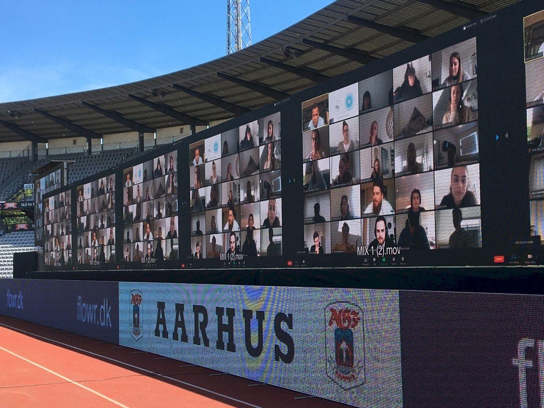 ⚽️ U Daniї fanaty buly prysutni na futboľnomu matči zavdjaky Zoom — koly naviť samoizoljacija ne pereškoda