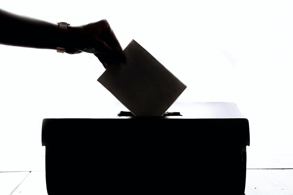 ✅ Переселенці зможуть брати участь у місцевих виборах — ЦВК спростила зміну виборчої адреси