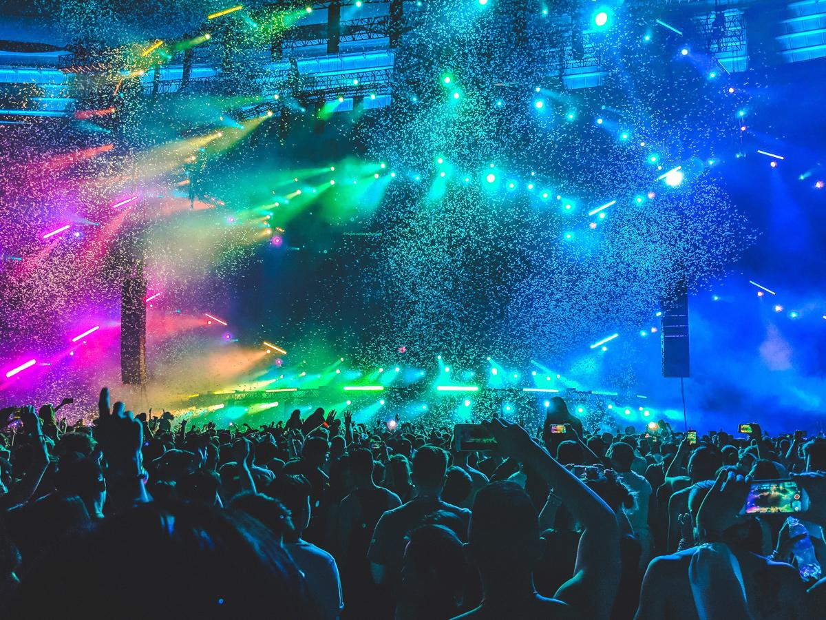 🎊 Цьогорічний фестиваль Lollapalooza відбудеться онлайн — Arcade Fire, Metallica, The Neighbourhood