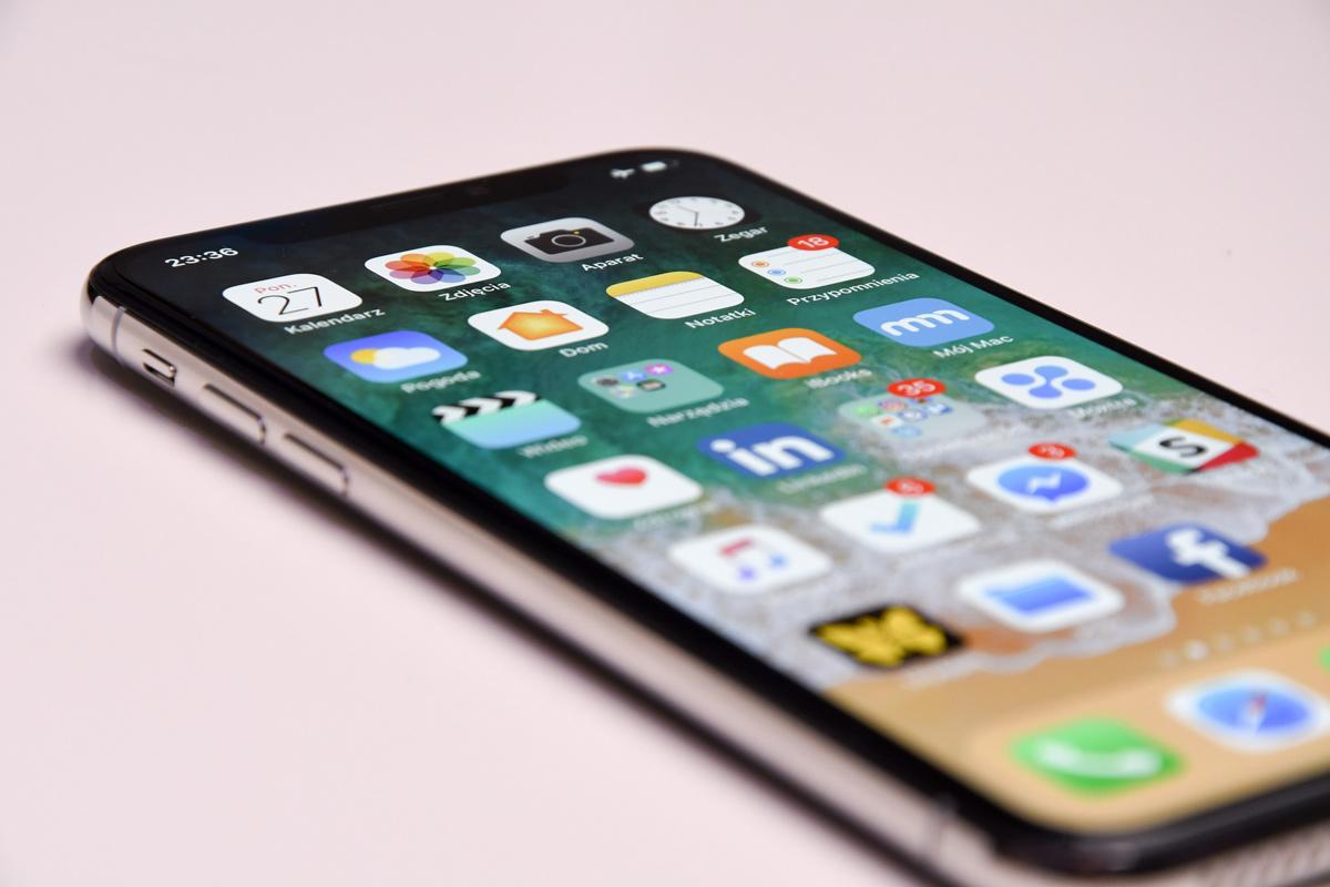 😎 Apple rozdaje bezkoštovni iPhone. Ščopravda, lyše dlja hakeriv