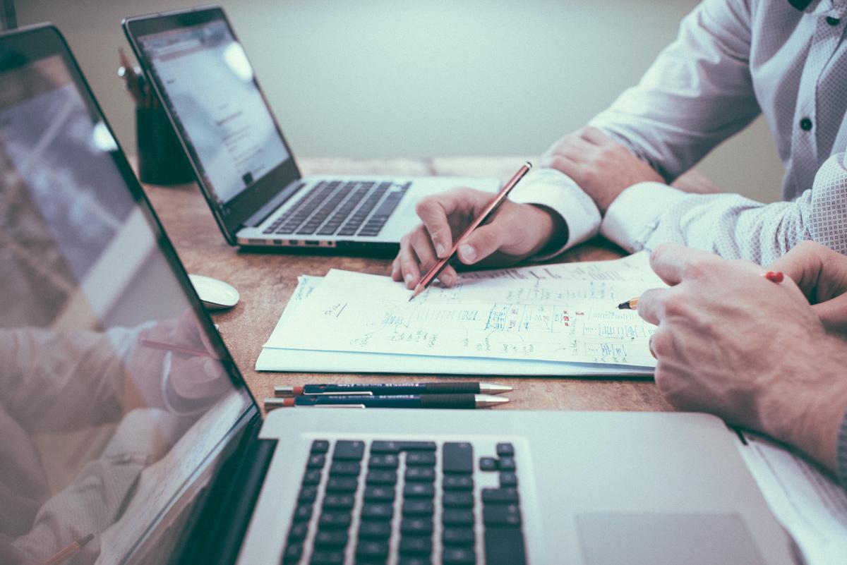 👨🏼💻 Рада скасувала ведення книги обліку доходів для ФОП та покращила електронний кабінет платника податків