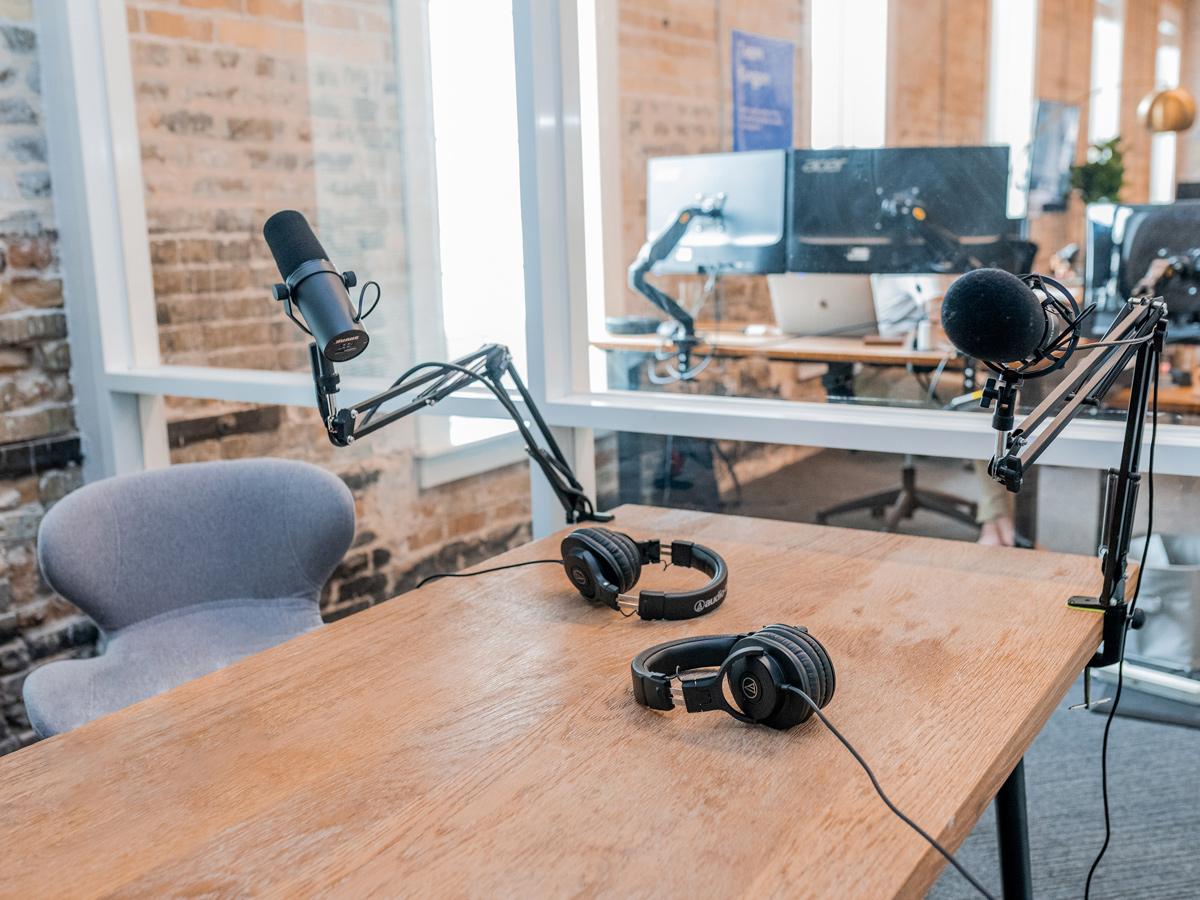 🤓 Stvoryly podkast pro kreatyvni industriї — insajdy ta detali