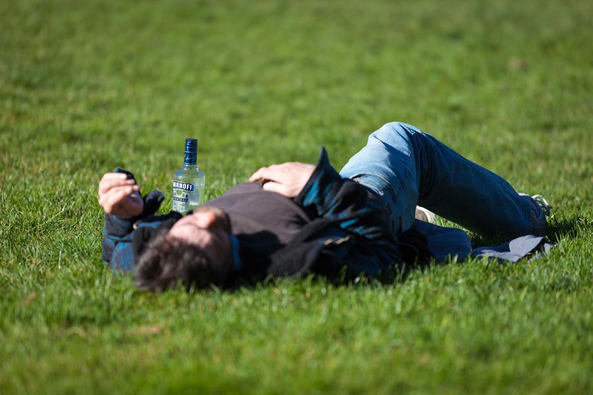 🤪 Смартфони навчили розрізняти рівень алкогольного сп'яніння власника в залежності від ходьби