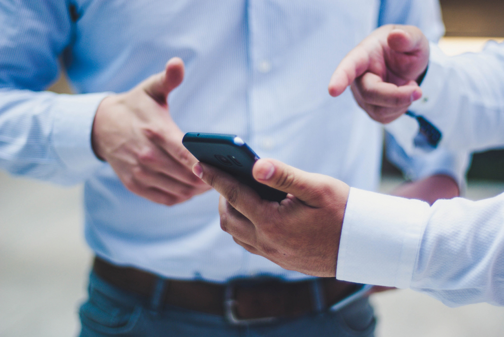 Смартфон, онлайн-сервіси
