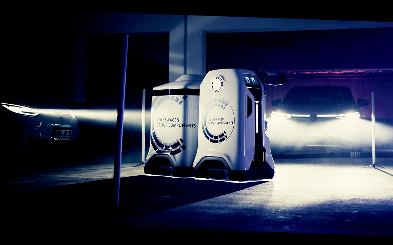 ⚡️ Volkswagen prezentuvaly robota dlja pidzarjadky elektrokariv (vin duže mylyj!)