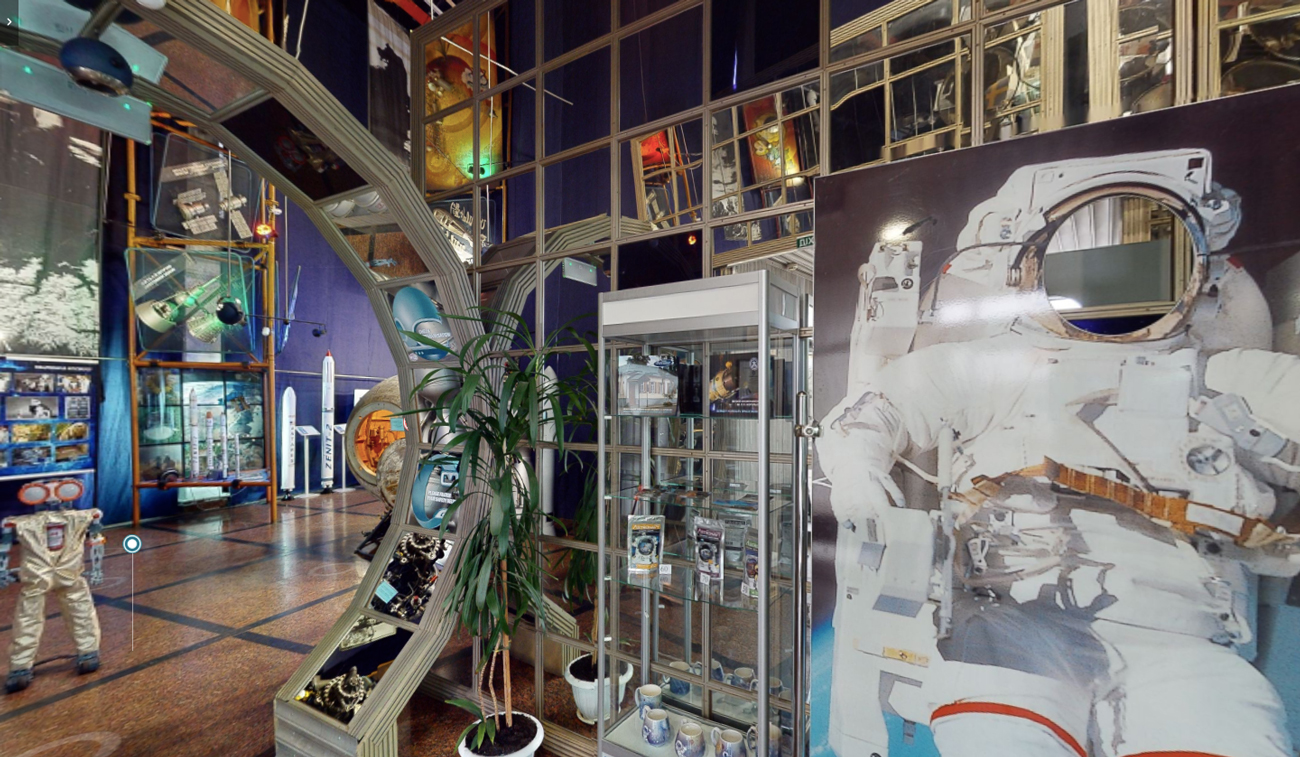 🚀 Створили онлайн-тур Музеєм космонавтики у Житомирі — туди Зеленський запрошує Ілона Маска
