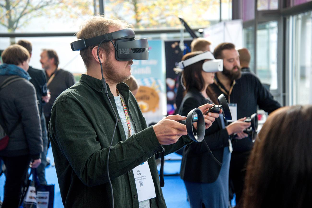👀 The Information: Apple планує випустити свої VR-окуляри у 2022 році