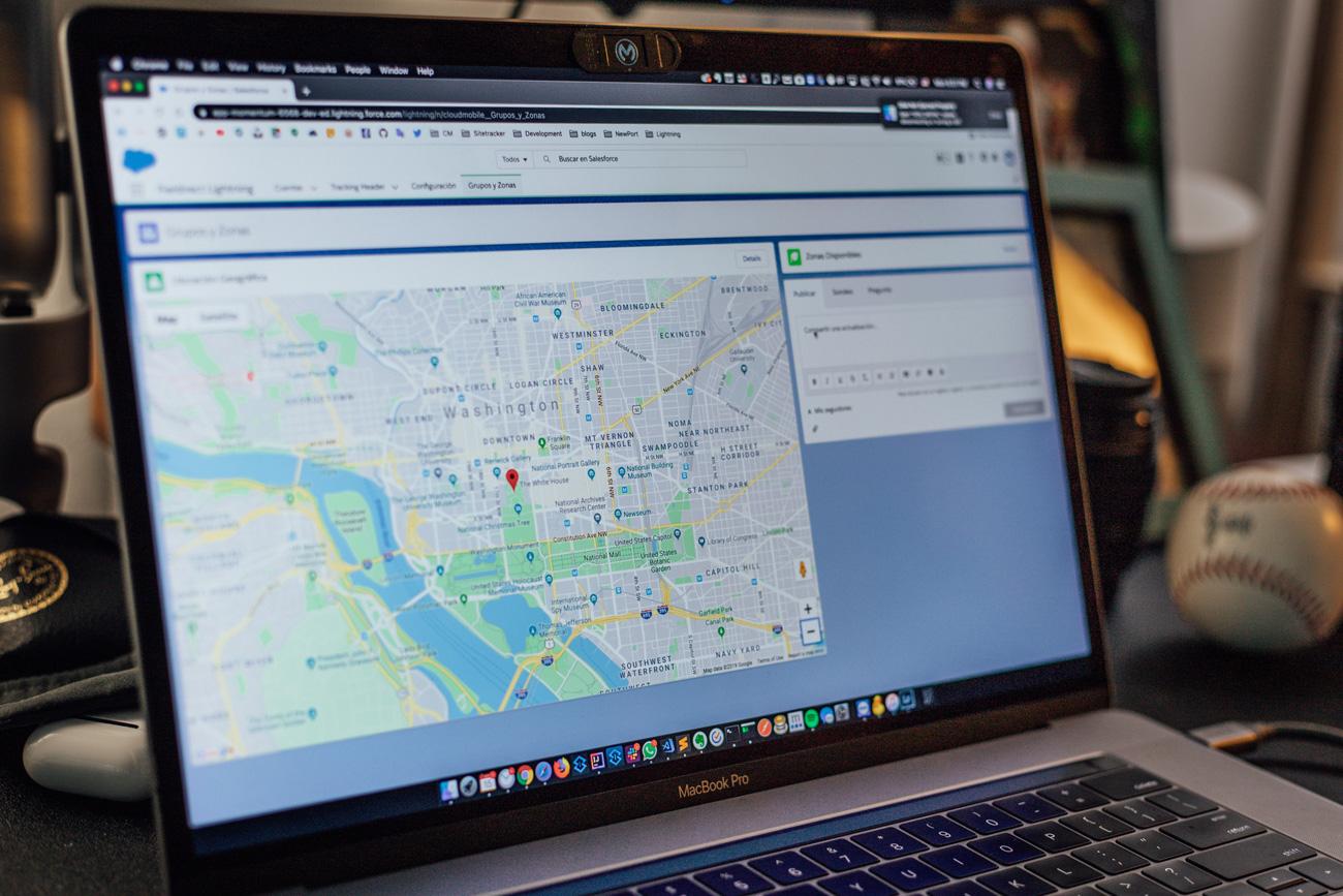 🗺 Google Maps dozvolyť «maljuvaty» na mapah ta vypravljaty pomylky