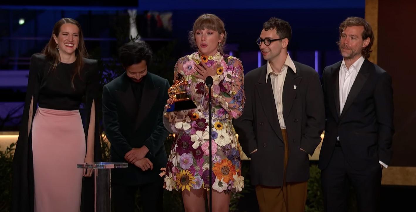 🤩 Греммі 2021: рекорд від Бейонсе, альбом року Тейлор Свіфт та «Запис року» Біллі Айліш