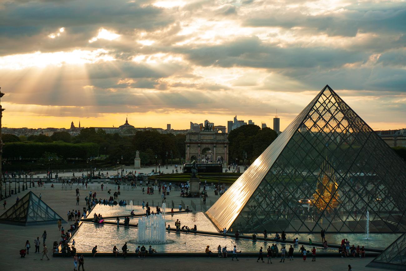 🧐 Лувр виклав свою колекцію онлайн