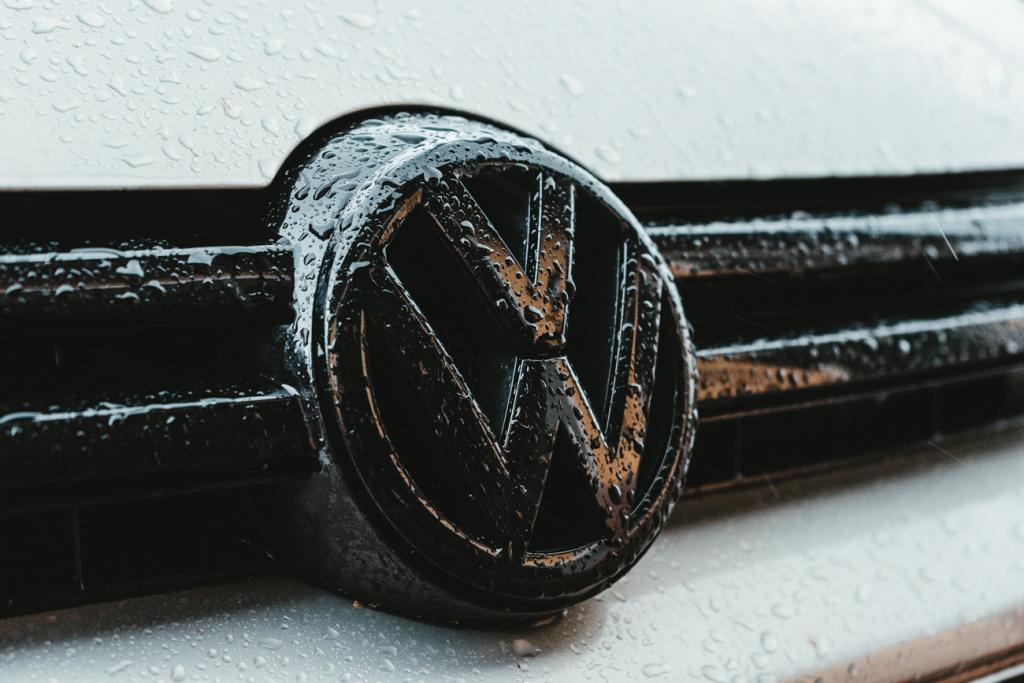Volkswagen стає Voltswagen