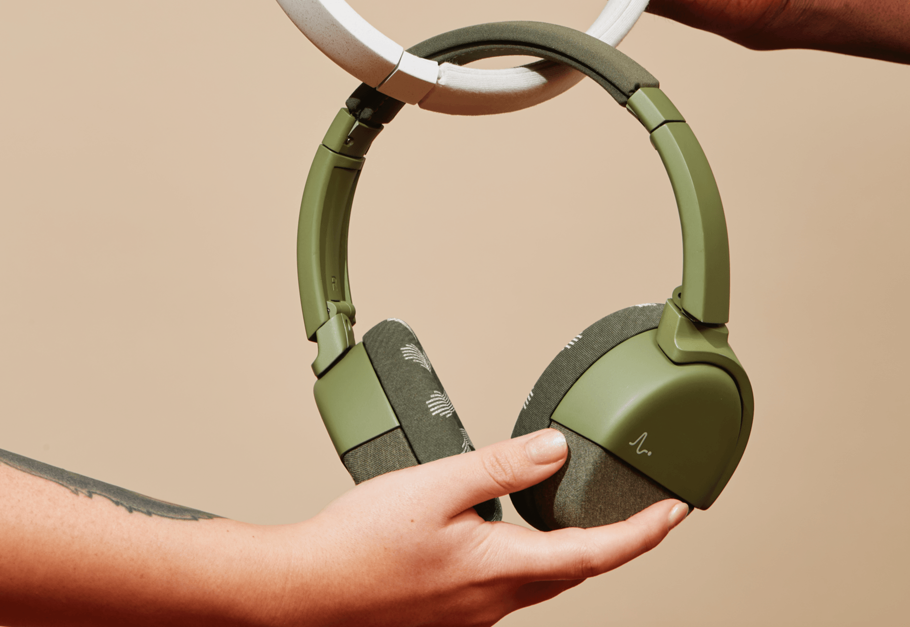 🎧 Винайшли навушники, що сканують мозок та допомагають концентруватись протягом дня