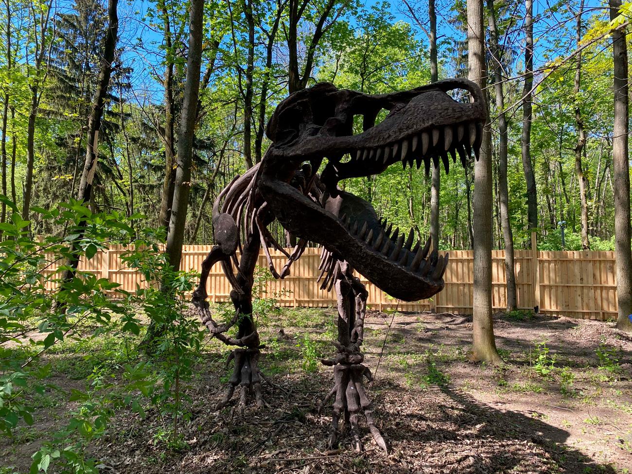 🦖 На ВДНГ стартує інтерактивна виставка «Планета динозаврів»