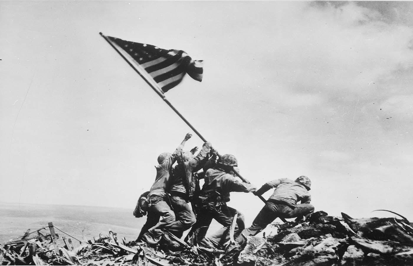 🤩 До 175-річчя фотожурналістики: Associated Press продасть на аукціоні 10 NFT-фото